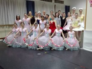 Sul palco 80 giovani ballerine