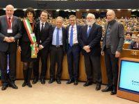 """Il sindaco di Savona apre i lavori del decennale del """"Patto dei sindaci"""" al Parlamento europeo di Bruxelles. Primo amministratore a intervenire per la cerimonia"""