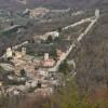 Buona domenica a tre impiegati comunali che stanno aiutando un collega a Castelsantangelo sul Nera