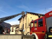 Porte, distrutta dalle fiamme la casa parrocchiale