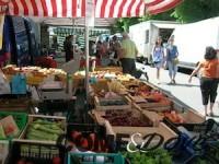 Al mercato del sabato si accede in ordine alfabetico