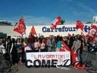 """Sciopero: le agenzie di viaggio protestano davanti al centro commerciale """"Le Gru"""""""