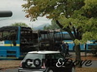 Nella foto il bus che aveva preso fuoco la scorsa estate alla Sadem