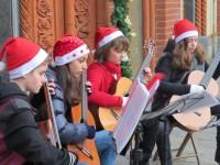 VIDEO   Corner musicali natalizi a Pinerolo