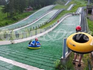 Pragelato: prova il tubing dai trampolini del salto