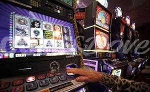 La Guardia di Finanza di Pinerolo scopre video slot abusivi. Oltre 60.000 euro di sanzioni