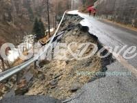 Prali: franata per 150 metri la strada, paese isolato