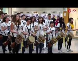 VIDEO | Festa della donna, un flash mob al centro commerciale Le due Valli di Pinerolo