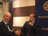 Pinerolo, Antonio Pironti commissario della banca Etruria illustra al Rotary la crisi di questo sistema bancario