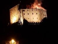 Brucia la Sacra di San Michele