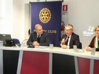 Il Rotary Club Pinerolo dona ai reparti di chirurgia e urologia dell'ospedale Agnelli sistemi digitali all'avanguardia.