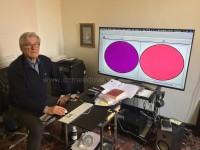 Enrico Toniato nel studio a Pinerolo