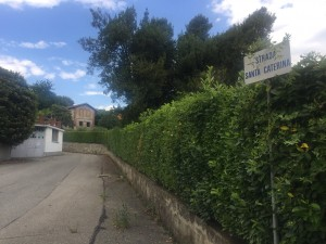 L'imbocco di strada Santa Caterina
