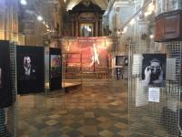 VIDEO | A Pinerolo la mostra che ricorda Carla, l'artista Blake B.