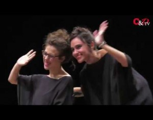 VIDEO | Sfila in passerella la moda mentre la disabilità diventa una pièce che commuove i pinerolesi