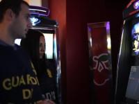 Scoperto a Pinerolo dalla Finanza un barista che aveva nascosto nella 24 ore una video slot