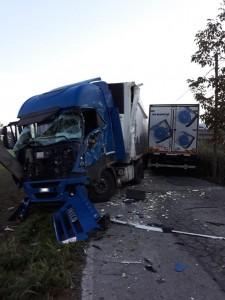 scontro fra due camion