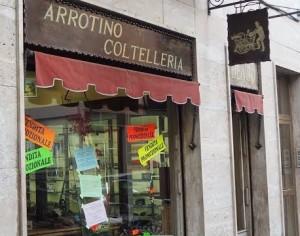 VIDEO | A Pinerolo chiude una bottega storica