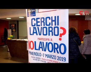 "VIDEO | A Pinerolo in 750 si presentano a ""IoLavoro"""