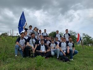 Una delle squadre dell'Hackathon a Cellarengo