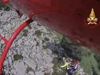 VIDEO | I vigili del fuoco salvano escursionista a Pinasca