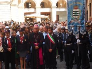 FOTO | I pinerolesi affollano il Duomo per la festa patronale