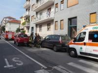 Pinerolo, cade in casa e viene soccorsa dai Vigili del fuoco e dalla Croce verde