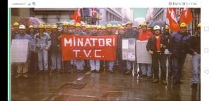 In una foto d'archivio del sindacato una manifestazione dei minatori della valle