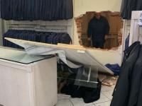 Euromoda i ladri in fuga perdono un loro capo d'abbigliamento