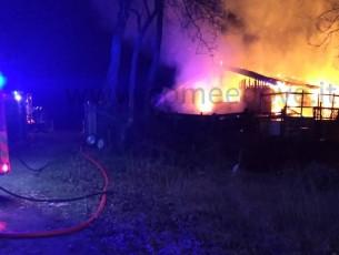Pinerolo, incendio in via Saluzzo, bruciata l'ex sede del tiro a volo