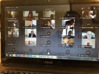 Una parte delle schermate degli oltre 50 partecipanti al primo incontro in videoconferenza.
