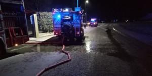 Macello, incendio in una lavanderia. Tre squadre di vigili del fuoco hanno limitato i danni