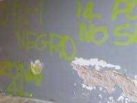 Presi di mira i muri delle elementari