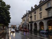 Incendio nel locale base 55 sotto ai portici ottocenteschi di Pinerolo