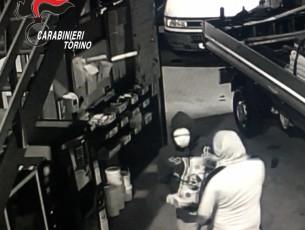 Presa dai carabinieri la banda che rubava sui tir e nei magazzini