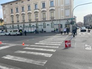 Pinerolo, investito pedone sulle strisce pedonali in corso Torino