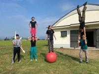 VIDEO | Una scuola d'arte circense nella cascina donata dal giudice al Comune di Macello